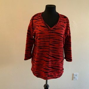 ONQUE casual. Women blouse. Size L